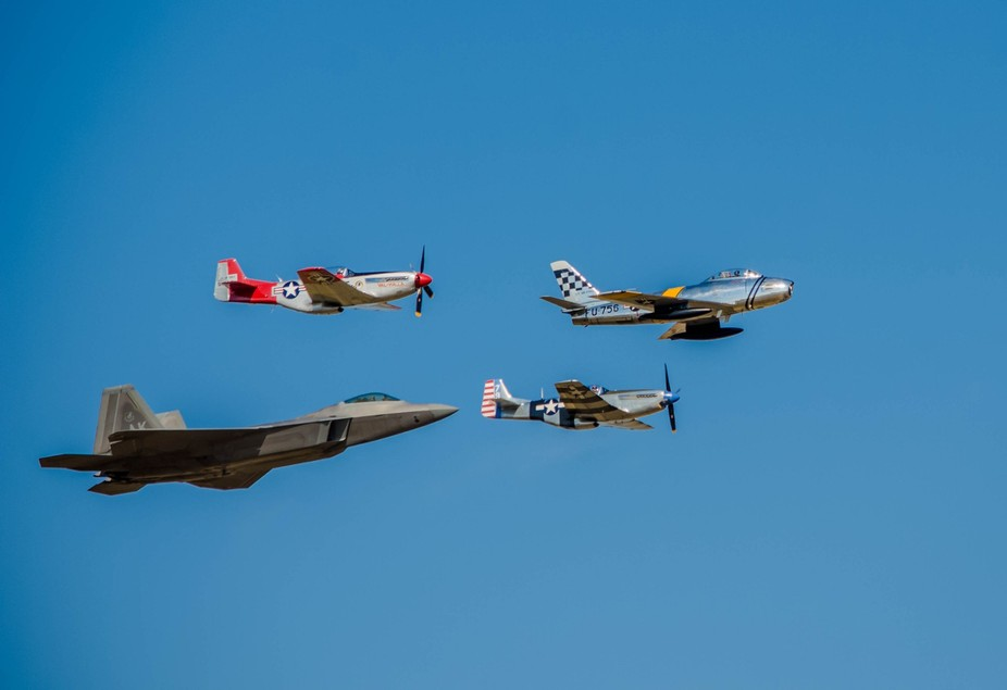 F-86, 2 P-51\'s and a F-22