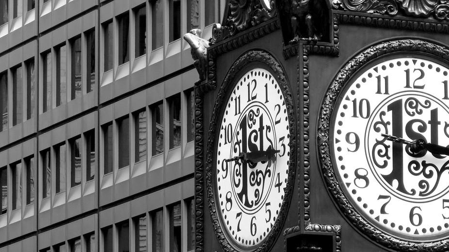 Clock in the City - Chicago