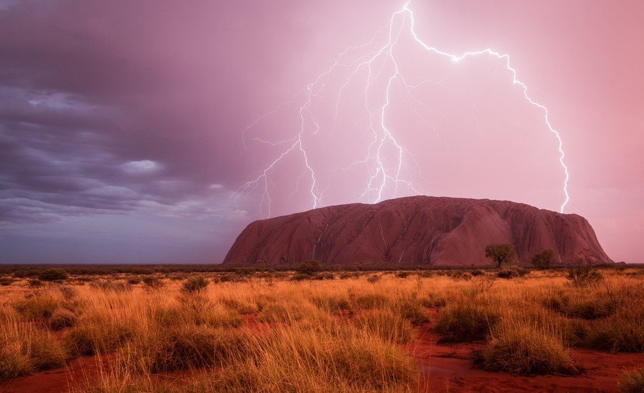I had heard a lot about how beautiful Uluru should look like when it rains. But I never believed ...