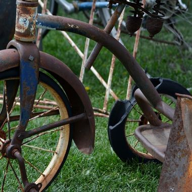 Rusty old tricycle