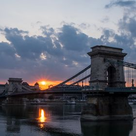 Budapest's Chain Bridge at Sunrise