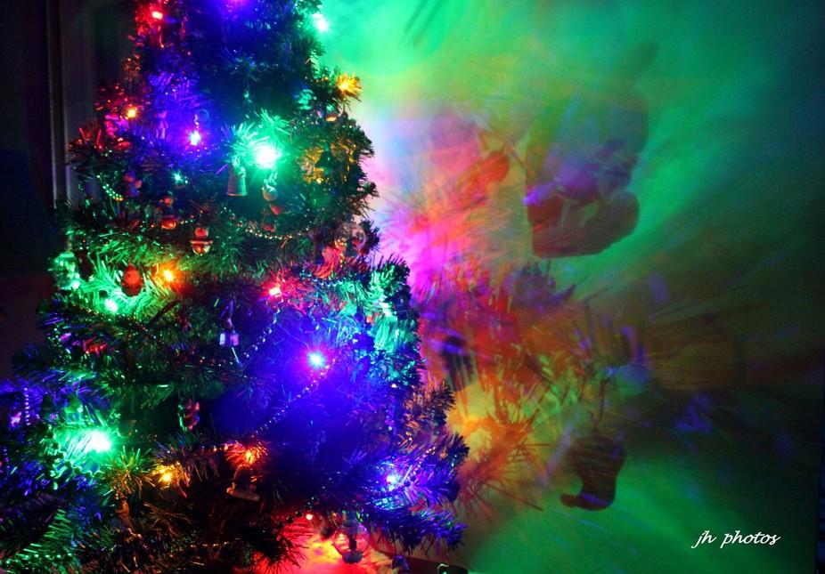 Christmas tree wall art .4