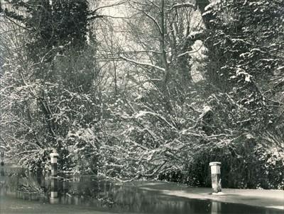 River Lea, frozen mooring