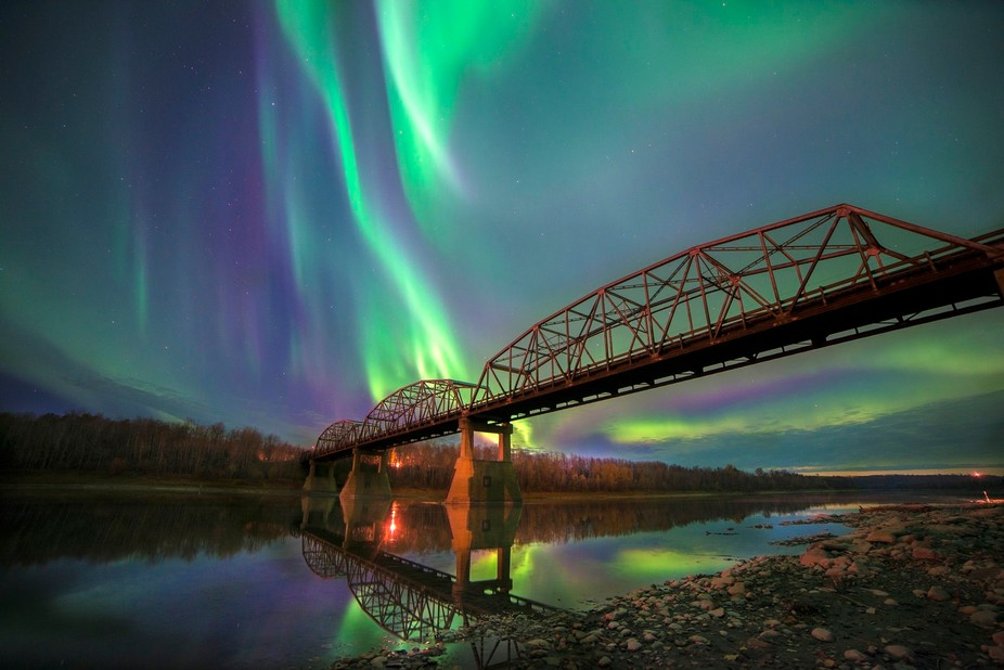 Brilliant aurora seen from the Athabasca River Bank