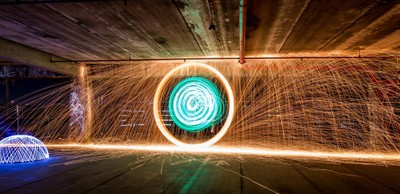 Light Painting and wool spinning