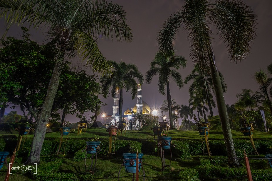Nightscape Masjid Kubah Emas Depok Sawangan, Indonesia