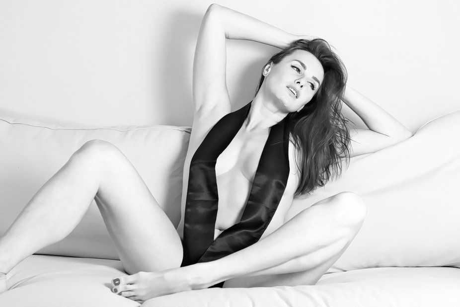 Silky smooth boudoir portrait of Nika, from a photo shoot in Copenhagen, July 2017