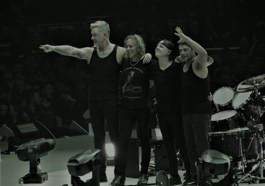 Metallica at the end of a great gig in Manchester Arena
