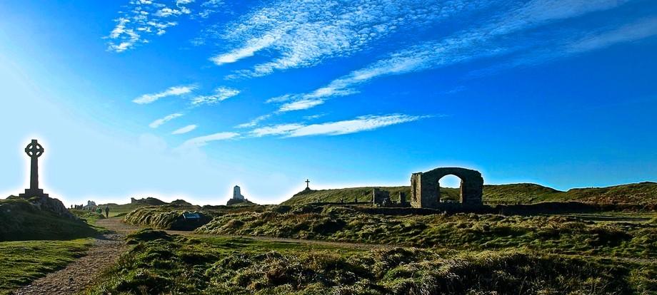 Ynys Llanddwyn or Llanddwyn Island is a small tidal island off the west coast of Anglesey (Welsh:...