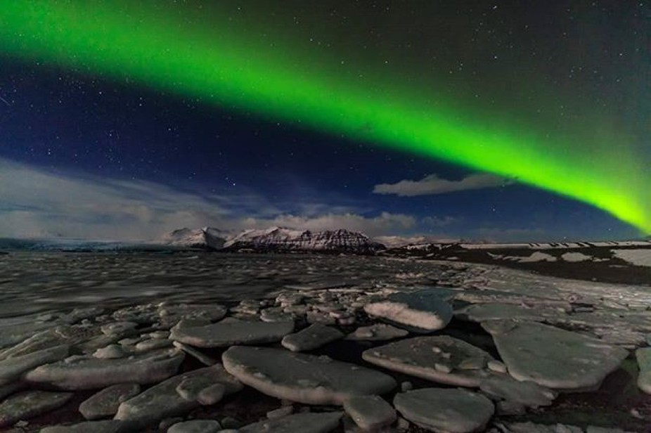 #northernlights #aurora #Iceland #mountains #sky #irixlens #irix15mm