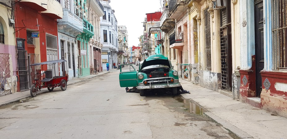 This is the Havana I experienced in one picture. Beautiful city.